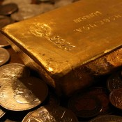 Gold Prices Steady Following April Decline